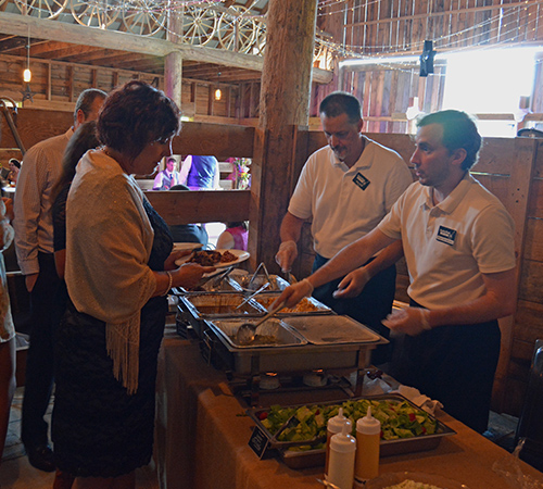 Wedding Reception Catering Absolutely Country Indoor Wedding Reception Serving
